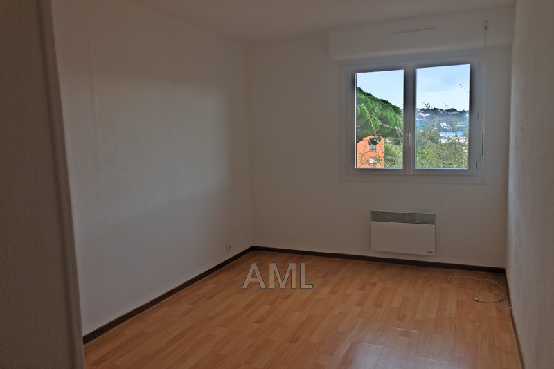 Photo Appartement Sainte-Maxime Les virgiles,  Location appartement  2 pièces   35 m²