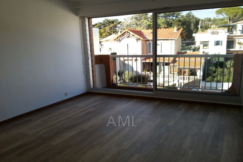 Photo Apartment Sainte-Maxime Centre ville,  Rentals apartment  1 room   24 m²