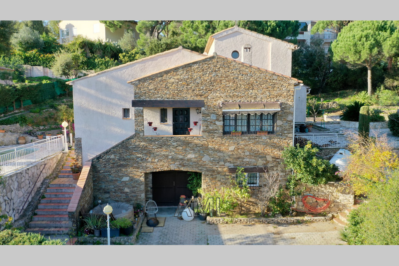 Photo House Sainte-Maxime   to buy house  5 bedroom   140 m²