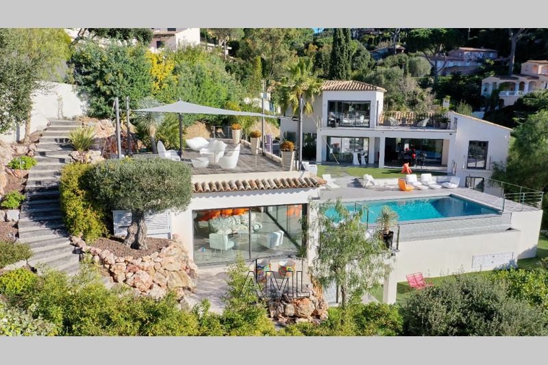 Photo House Sainte-Maxime   to buy house  7 bedroom   400m²