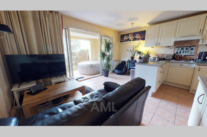 Photo Apartment Les Issambres   to buy apartment  2 rooms   43 m²