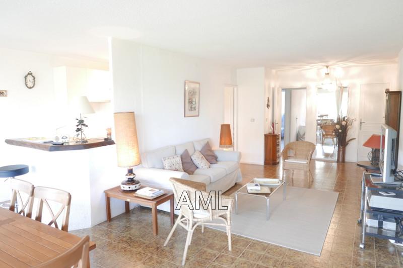 Photo Appartement Saint-Tropez   achat appartement  4 pièces   98m²