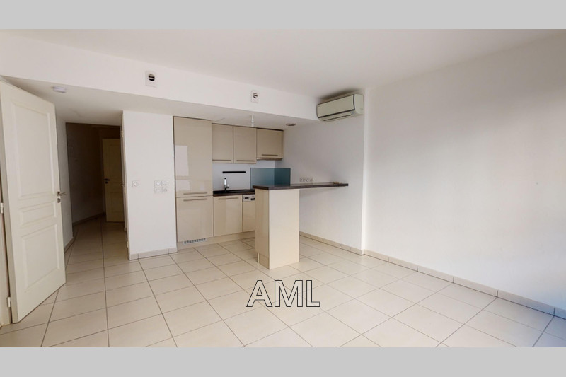 Photo Apartment STE MAXIME   to buy apartment  2 rooms   48 m²