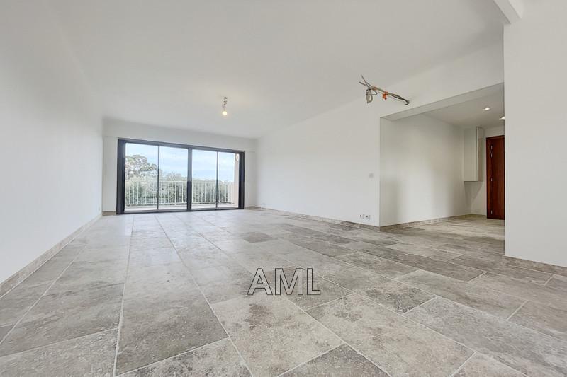 Photo Appartement Cavalaire-sur-Mer   achat appartement  4 pièces   83m²
