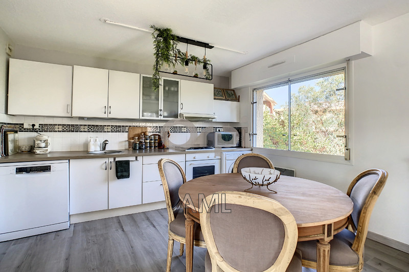 Photo Apartment Sainte-Maxime Centre ville,   to buy apartment  2 rooms   56m²